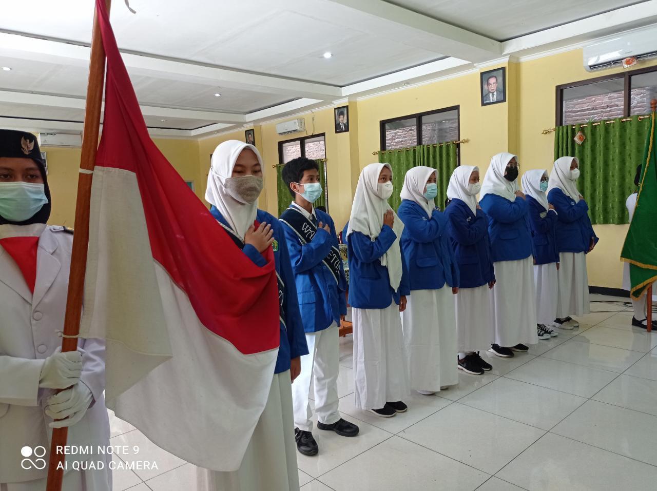 Kepala MTs.N 15 Jakarta Resmi Lantik Ketua dan Wakil Ketua OSIS Masa Bakti 2021-2022